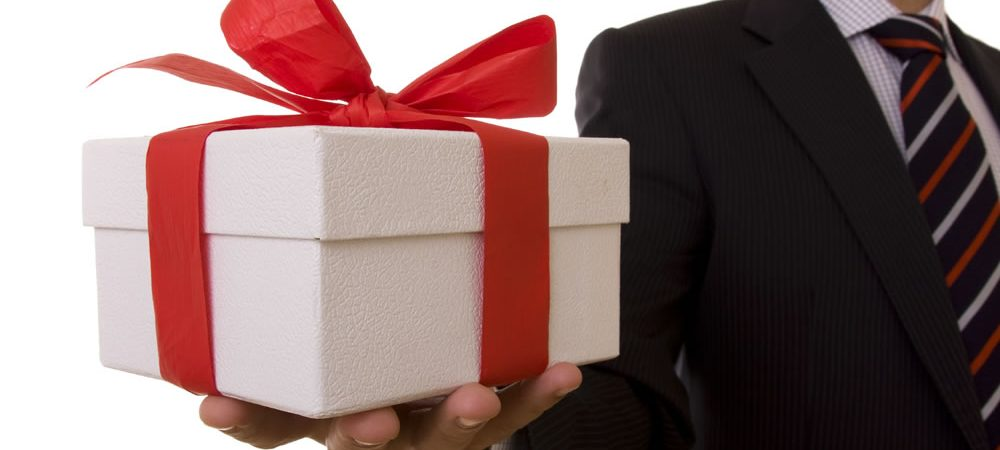 Rules Of Office Gift Etiquette 101